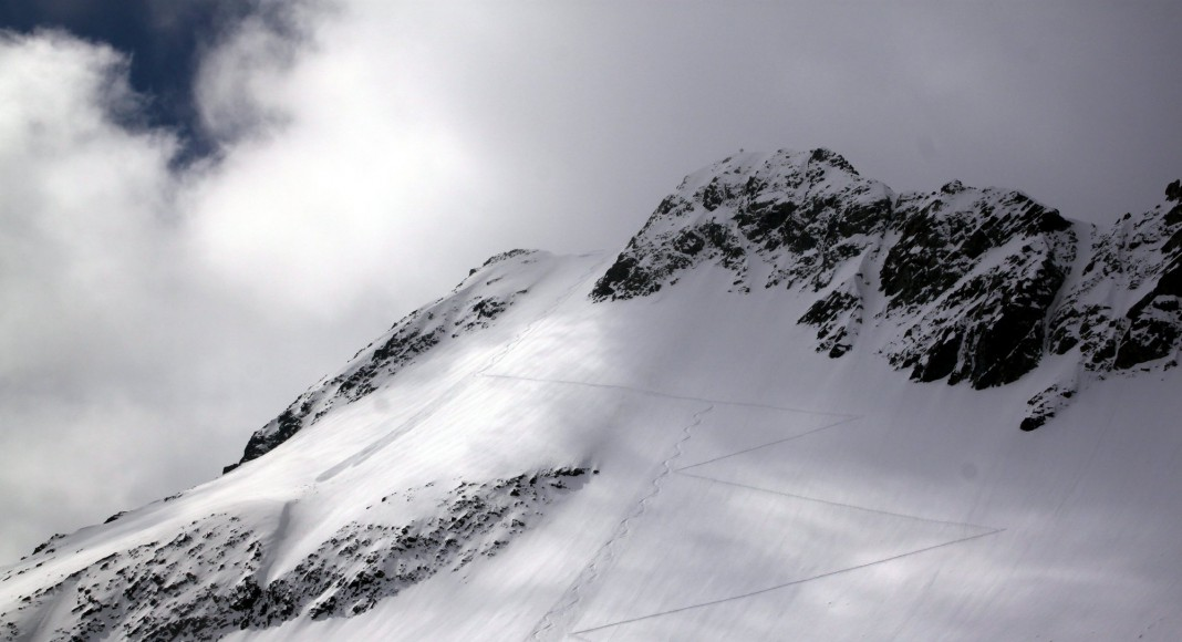 Allein auf Skitour, Solo auf Skitour, alleine Skitouren, Lukas Ruetz, Skitour, Skitour alleine, Skitour mit Hund, Skitour ohne Partner